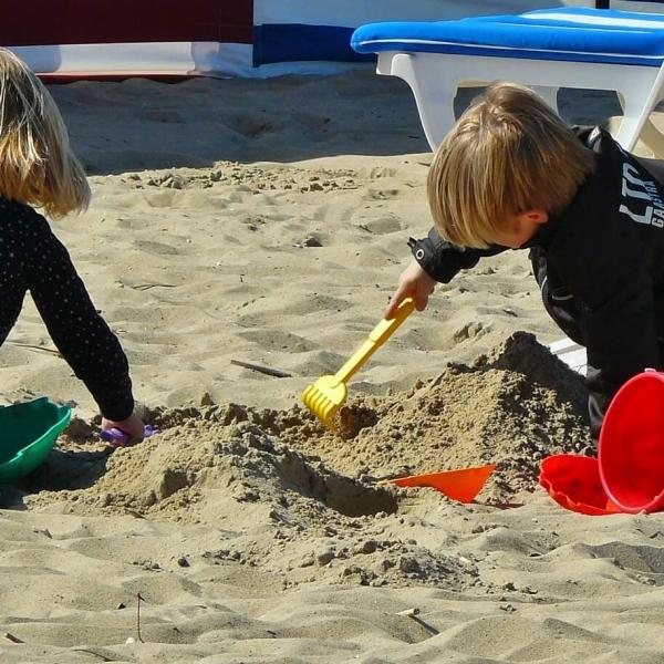 children-playing-329234_1920
